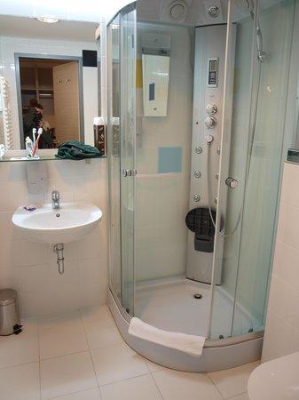 Bo18 Hotel Superior:                   bagno                 