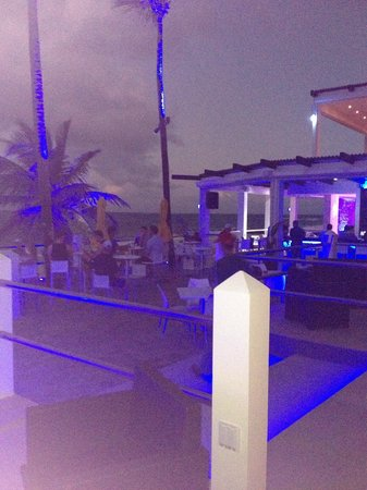 Atlantic Beach Hotel:                   outside deck/bar