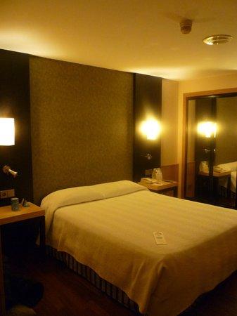 NH Ciudad de Valencia:                   Notre chambre
