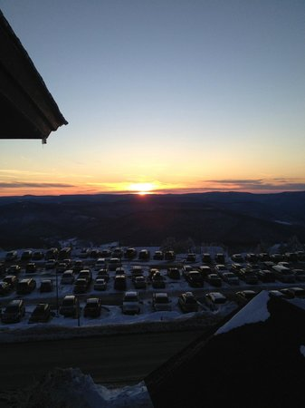Rimfire Lodge Condos : Sunset over the west side of the mountain