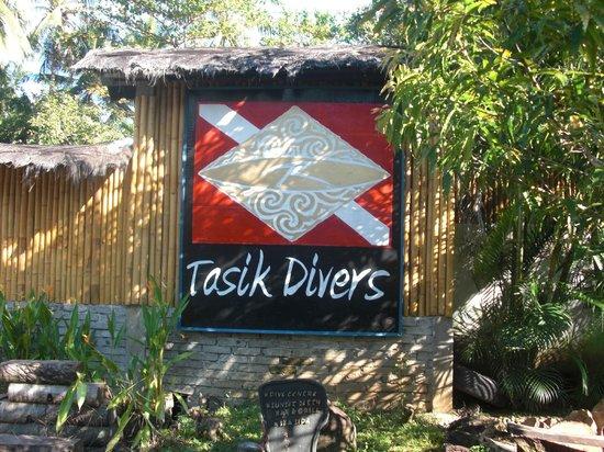 Tasik Ria Resort Manado:                   tasik divers