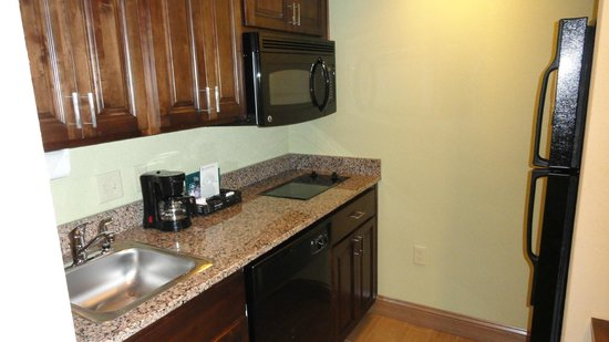 Homewood Suites Charlotte/Ayrsley: Kitchen