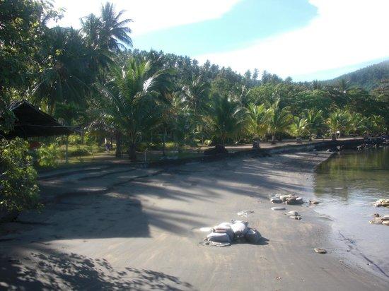 Tasik Ria Resort Manado:                   spiaggia