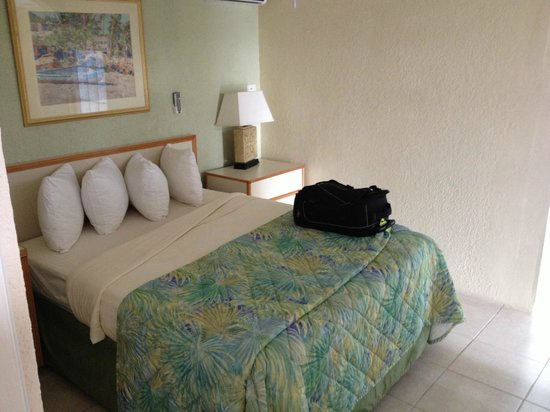 Flamboyan on the Bay Resort & Villas:                   1st Bedroom