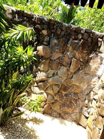 โตโกริกิไอซ์แลนด์รีสอร์ท:                   Our Outdoor Shower
