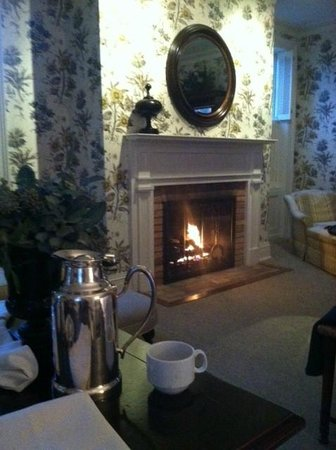 Aurora Inn:                   Morning coffee