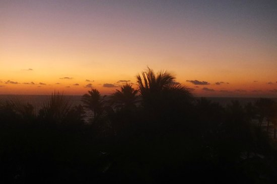 Grand Oasis Cancun:                   Sunrise