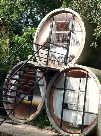 Tubohotel:                   Lo mejor son los tubos de arriba