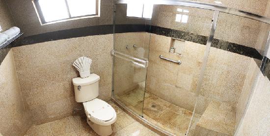 Aqua Rio Hotel : Luxury Bathroom