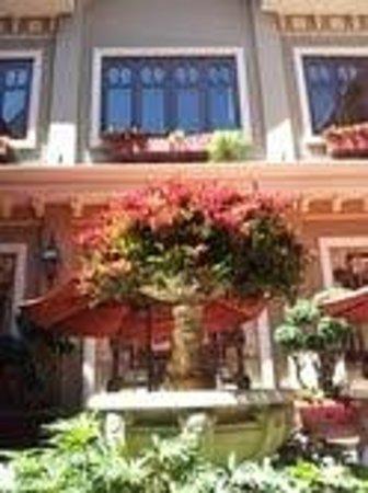 Hotel Grano de Oro San Jose: Restaurant courtyard