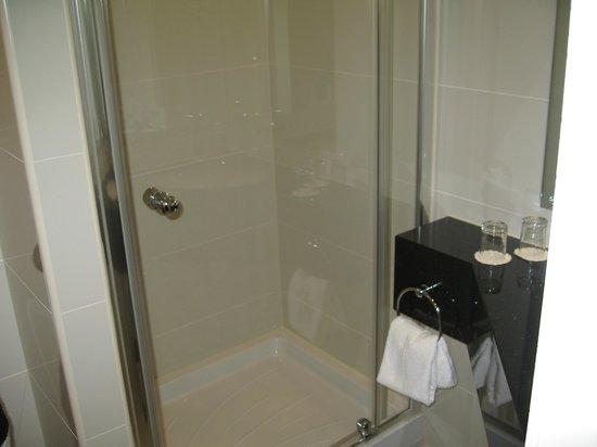 Holiday Inn London - Kensington High Street: Great shower