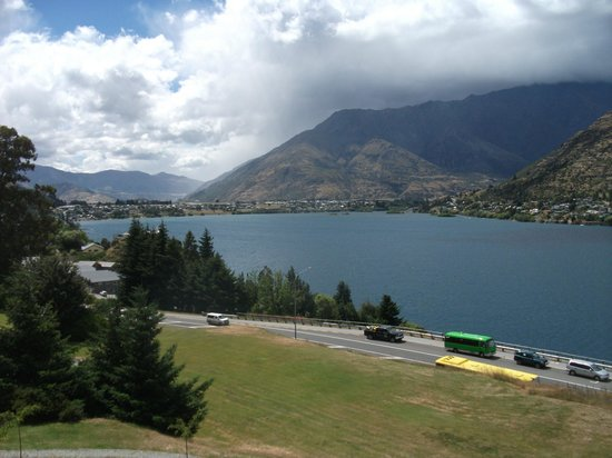 Holiday Inn Queenstown Frankton Road:                   The view!!!!