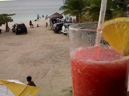 Umbrellas Beach Bar:                   :)