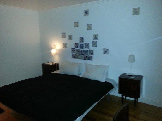 Lisbon Story Guesthouse:                   o quarto azulejo