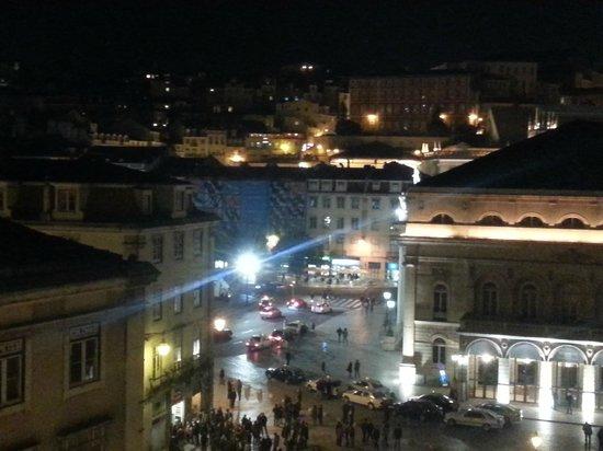 Lisbon Story Guesthouse:                   a noite lisboeta ao fim de semana