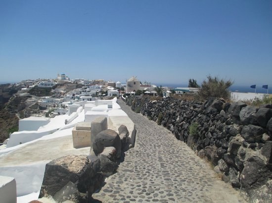 Olympic Villas: walkway to OIA