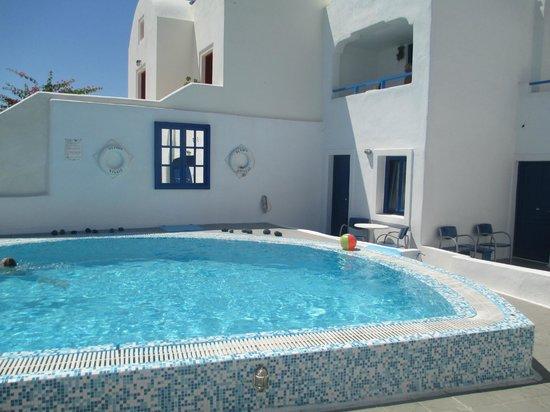 Olympic Villas: pool