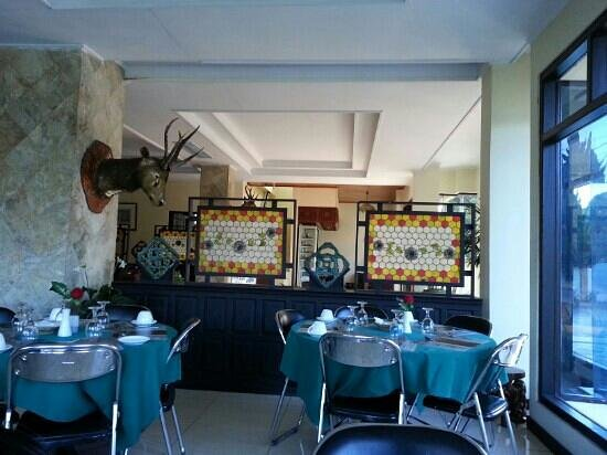 Nikita Palace:                                     dining hall