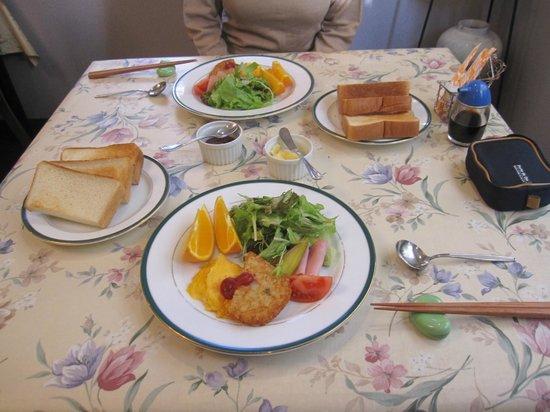 Yumekobo Hananomai:                   朝食