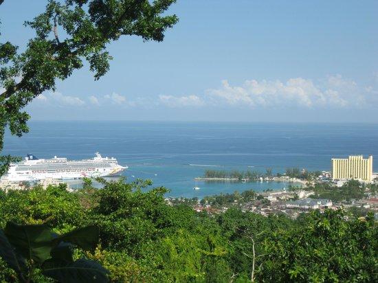 Grand Bahia Principe Jamaica:                                     Baie de Ocho Rios