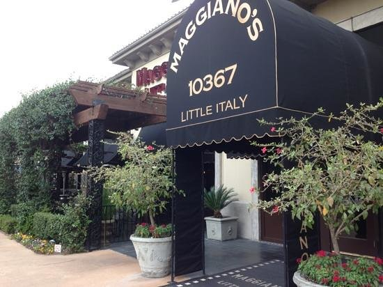 Maggiano's Little Italy: front entrance