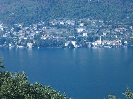 Il Filo d'Olio:                   Across Lake Como