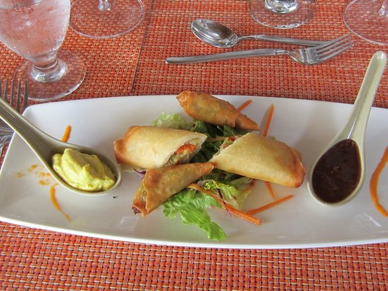 The Bay at Nonsuch: Crispy Vegetable Samosas and Spring Roll
