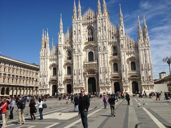 Hotel Spadari al Duomo:                   200 metres from the hotel