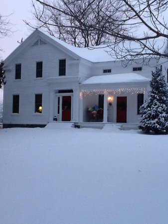 Inn BTween Farm Bed and Breakfast: Here we are with our winter pajamas on!