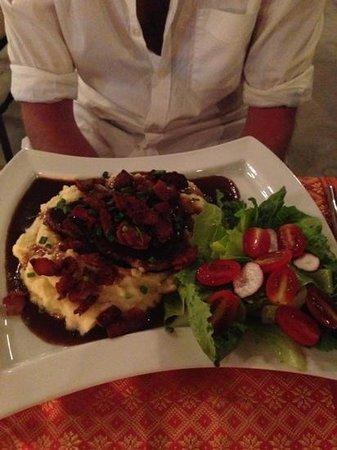 Maya cuisine & Lounge by Jeanette:                   steak