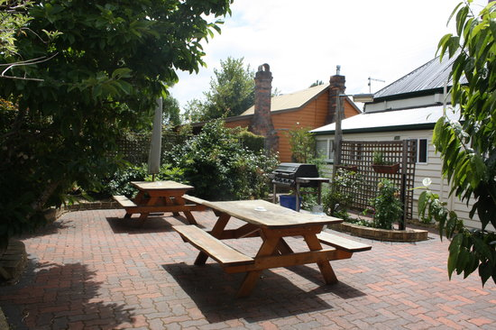 Westbury Gingerbread Cottages: BBQ Courtyard for Guests' Exclusive Use