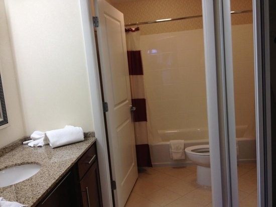 Residence Inn Clearwater Downtown: Bathroom