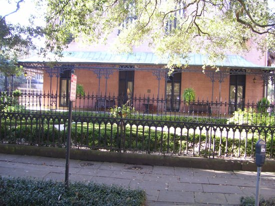 Some historic house picture of old savannah tours for House tours in savannah ga