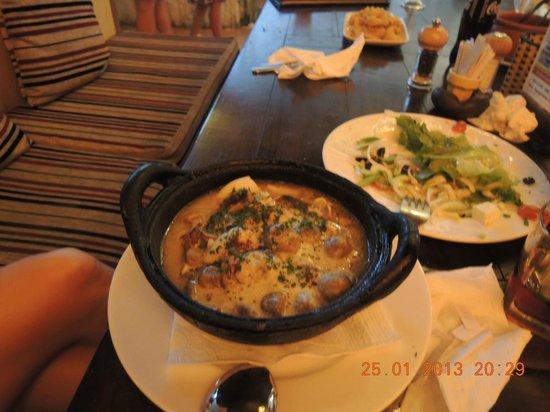 La Mancha Restaurant:                   Суп с морепродуктами и шампиньонами.