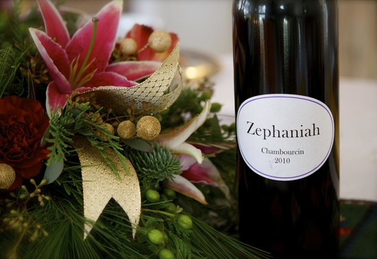 ‪Zephaniah Farm Vineyard‬