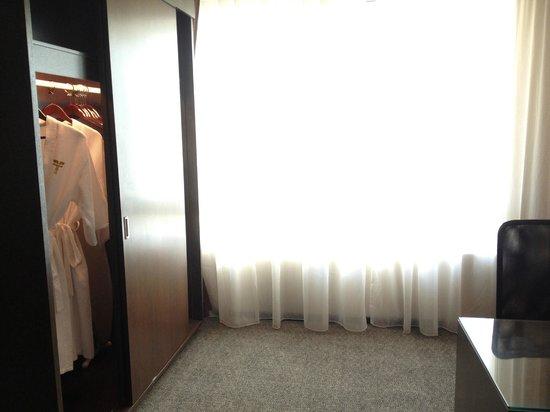 Furama Bukit Bintang:                   wardrobe
