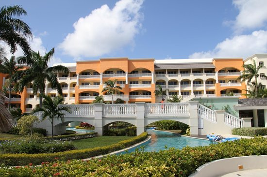 Iberostar Rose Hall Suites:                   Grounds near lazy river
