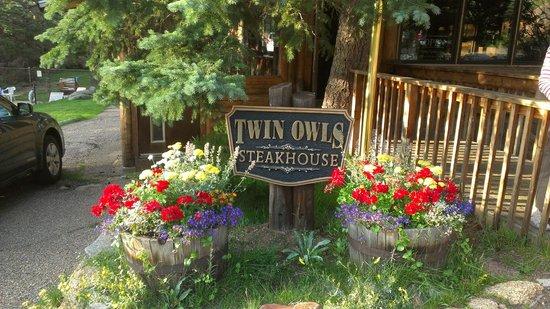 Twin Owls Steakhouse :                   Twin Owls entrance