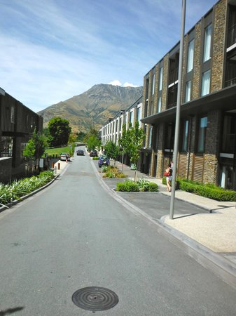 DoubleTree by Hilton Hotel Queenstown:                   hotel on right, restaurant on left