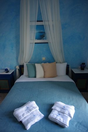 Evgenia Villas & Suites:                   Room