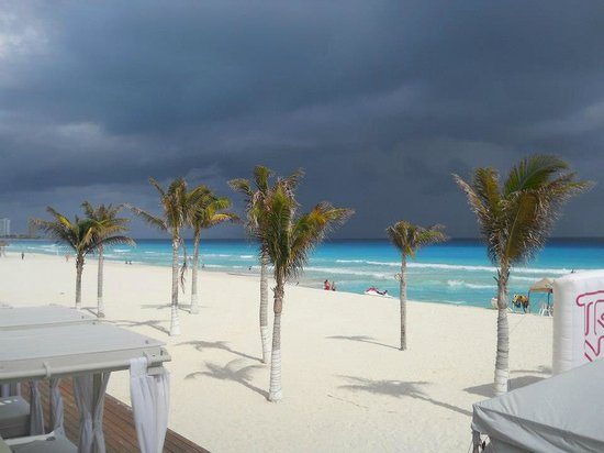 Gran caribe resort:                   just before a storm