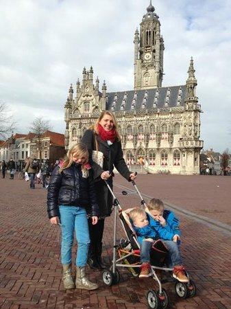 Town Hall:                   Dagje Middelburg