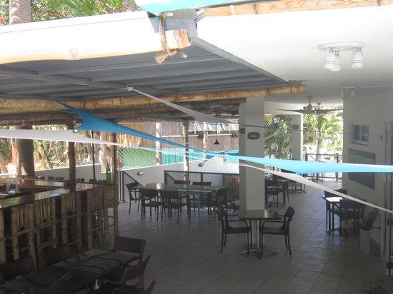 Saltaire Restaurant :                   lovely outdoor setting