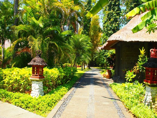 Melia Bali Indonesia:                   outside on the way to the private beach