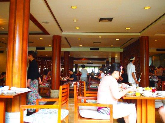 Melia Bali:                   Breakfast