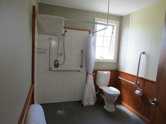 Blue Thistle Cottages:                   Bathroom - kinda weird shower, but it worked!