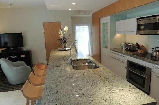 Santa Maria Suites: Great kitchen in suite