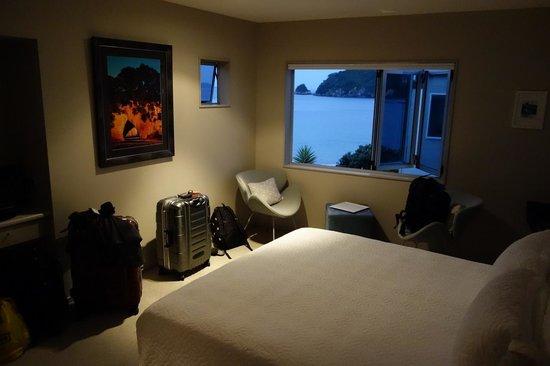 Hahei Oceanfront:                   the Mahurangi Room                 