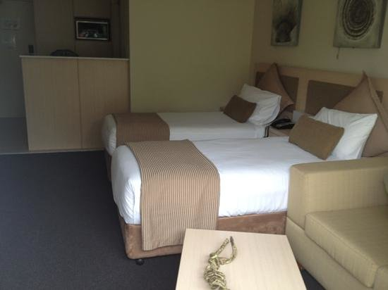Oaks Pacific Blue Resort Salamander Bay:                   nice and clean room