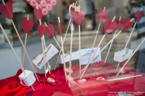 Chantal Guillon: Valentine's Day Window display